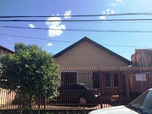 Casa com edicula no bairro Oliveira III