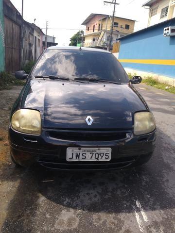 Clio 2001 valor 3700