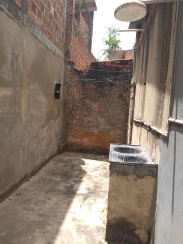 Vendo uma casa com 2/4 sendo uma suíte no parque São Cristóvão