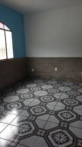 Alugo Casa 02 Q , Rua Maria Mello 215, 100m da Av Abilio Augusto Távora - Foto 7