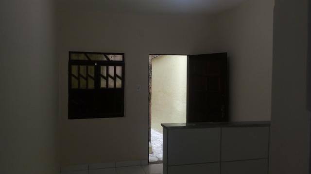 Alugo casa Térreo, R$400,00 ! 1/4, sala , cozinha, banheiroe área de serviço!