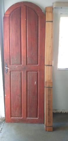 Porta de madeira angelim