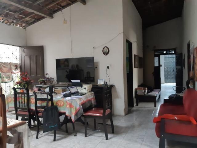 Casa na Av Waldir Diogo com 05 quartos e garagem pra 4 carros. Excelente imóvel - Foto 5
