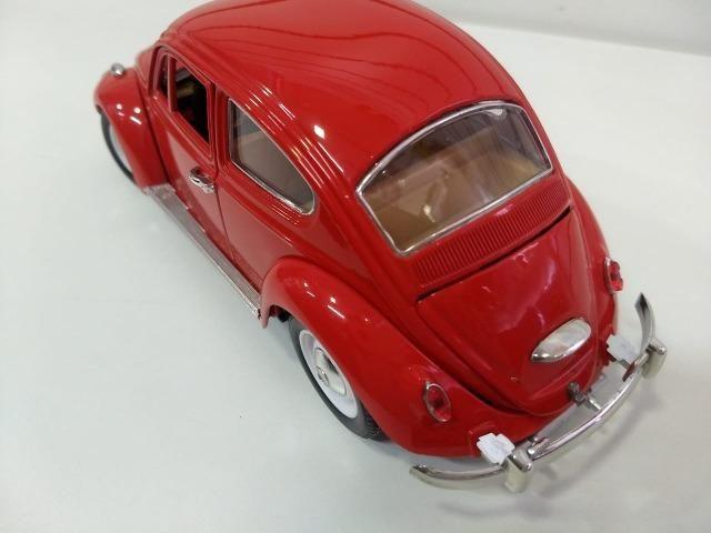 Miniatura Volkswagen Fusca 1/18 - Foto 5