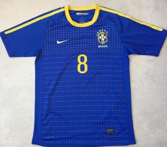 Camiseta oficial seleção brasileira azul d649aef51758a