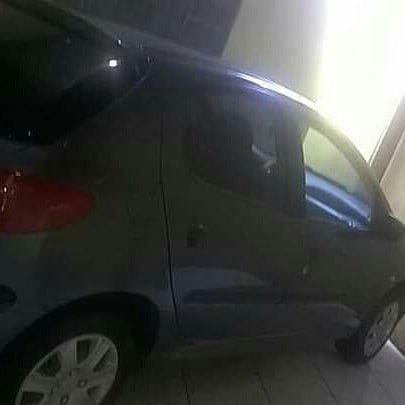 Vendo Peugeot 1.0precisar arrumar a chave de ceta - Foto 2