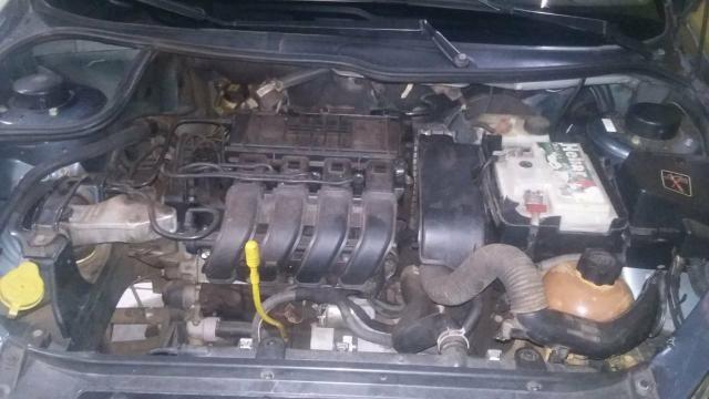 Vendo Peugeot 1.0precisar arrumar a chave de ceta - Foto 5