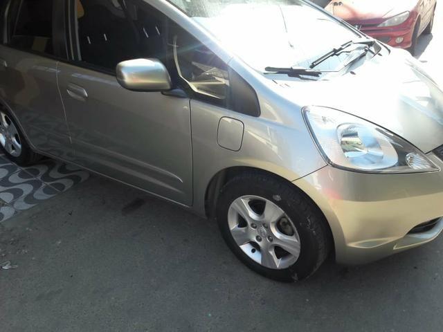 Vendo carro( financiado) honda fit 2011 - Foto 7
