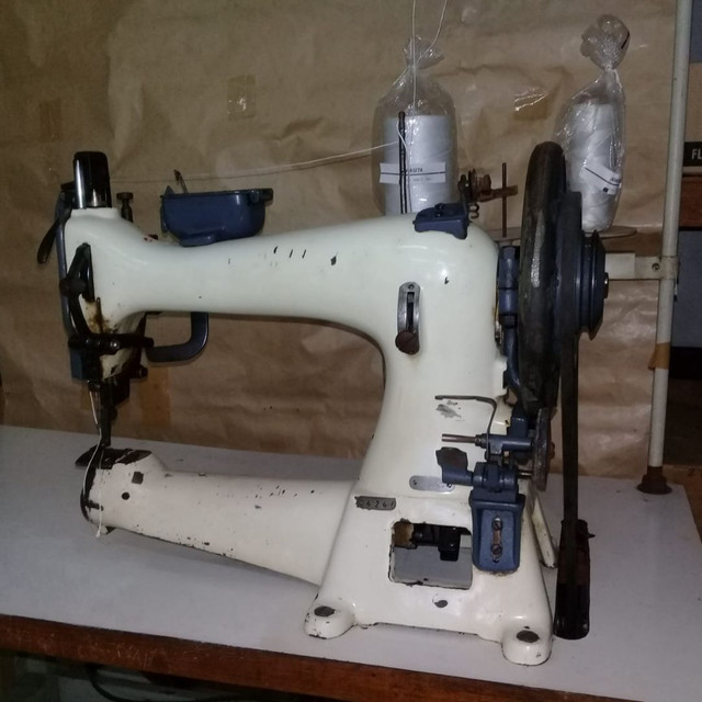Máquinas de selaria , costura de cortar tiras e de carimbar couro - Foto 2