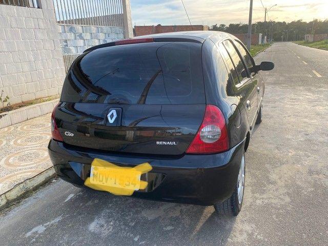 Renault Clio HATCH  1.0 16v.Flex 4p manual  Ano 2009 modelo 2010 Gasolina e álcool  preto  - Foto 2
