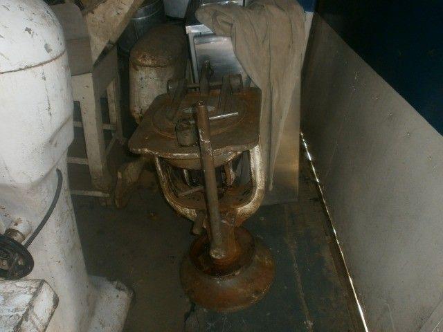 divisora de massa de coluna industrial - precisando de limpeza - Foto 3
