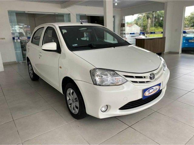 Toyota Etios HB X  - Foto 2