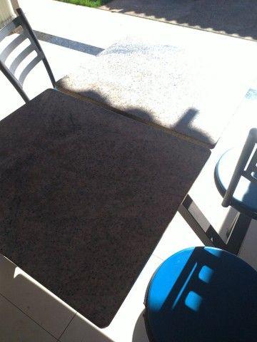 mesa. marmore. 4 cadeiras - Foto 4