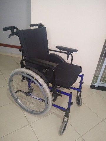 Cadeira de rodas grande  - Foto 2