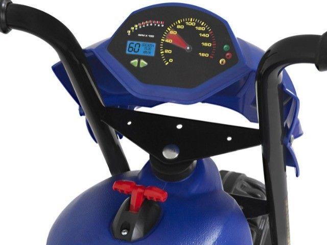 Moto Elétrica Infantil 6V XT3 Azul - Bandeirante - Foto 6
