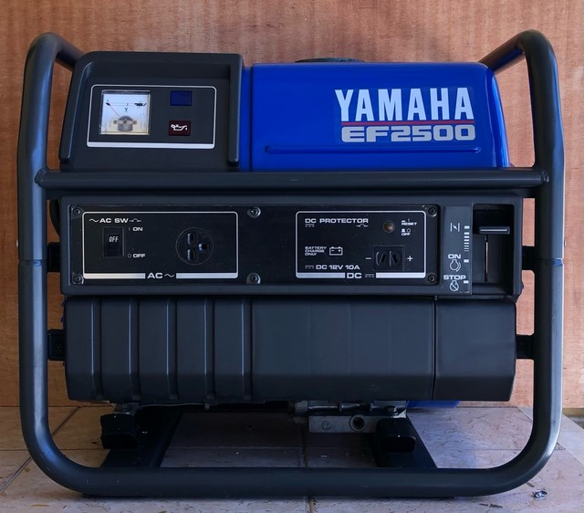 Gerador de energia Yamaha EF2500 Motor 4 tempos