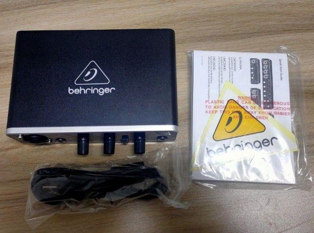 Interface de Áudio Behringer UMC22 na caixa com manual e cabo + 1 ano de garantia - Foto 3