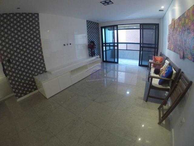 Apartamento completo de móveis a 50m da praia - Edifício Giulio Romano - Ponta Verde