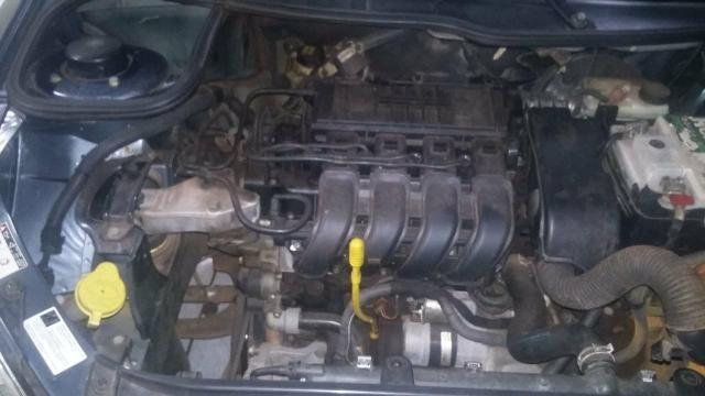 Vendo Peugeot 1.0precisar arrumar a chave de ceta - Foto 3