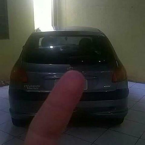 Vendo Peugeot 1.0precisar arrumar a chave de ceta - Foto 9