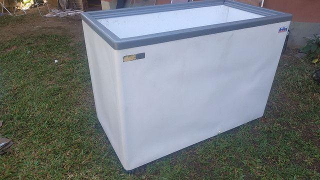 Vende-se freezer frilux 590 litros