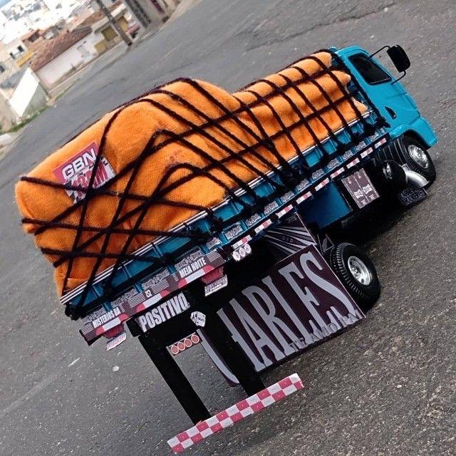 Vende-se esta miniatura de caminhão - Foto 2