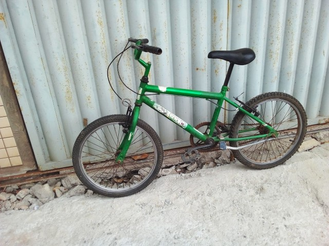 Bicicleta aro 20 semi  nova so  vendo  - Foto 2