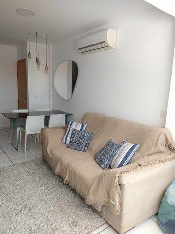 Apartamento mobiliado com 02 vagas de garagem - Foto 2