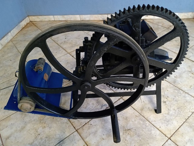 Garapeira  industrial, 110/220 volts.