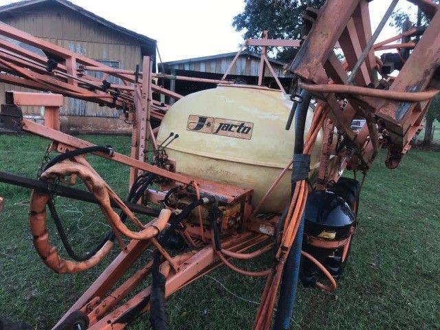 Columbia Cross jacto 2000 litros - Foto 4