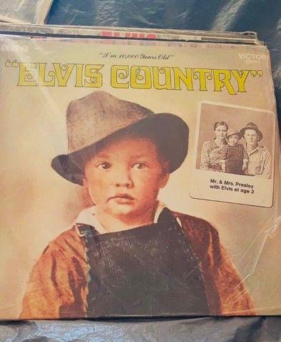 Elvis Presley Country (I?m 10000 years old)