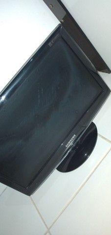 Monitor LCD Samsung com defeito
