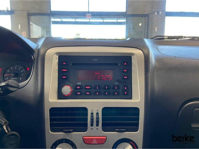 Chery CELER Hatch 1.5 16V Flex 5p - Foto 9