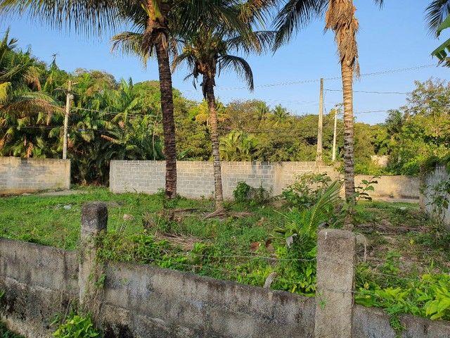 Lote de esquina murado escriturado 450m² em Perocão  - Foto 8