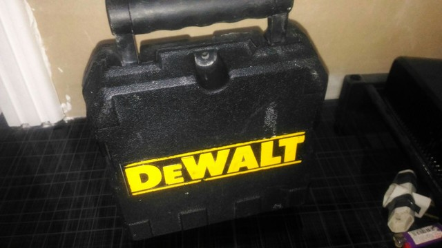 Nível a Laser Dewalt pouco uso, funcionando perfeitamente  - Foto 5