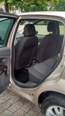 Fiat Punto Attractive 1.4 2012 - Foto 8