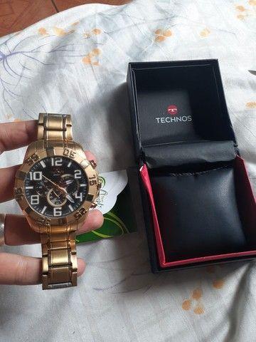 Vendo ou troco relógio TECHNOS dourado.  - Foto 2