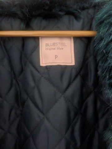Casaco de pelo verde escuro  - Foto 3