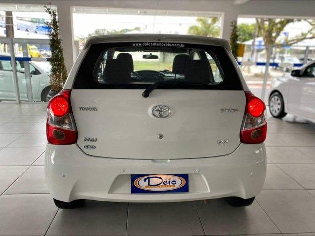 Toyota Etios HB X  - Foto 12