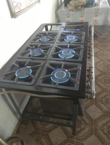 Fogão industrial 6 bocas com chapa e forno - Foto 2
