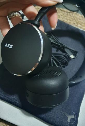 Headphone AKG - Y500 (fone de ouvido)