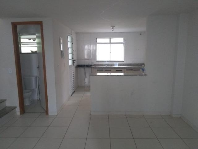 Ampla casa duplex com 3 quartos, sendo 1 suíte, no bairro Califórnia em Itaguaí - Foto 6