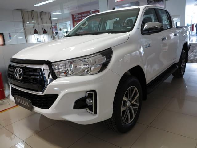 TOYOTA HILUX CD DSL 4X4 SRV AT 19/20