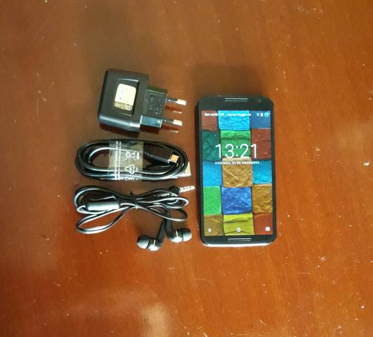 Vendo Moto X2 De 32GB C/ acessórios