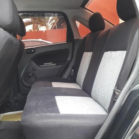 Fiesta Sedan 1.6 2008 - Foto 4