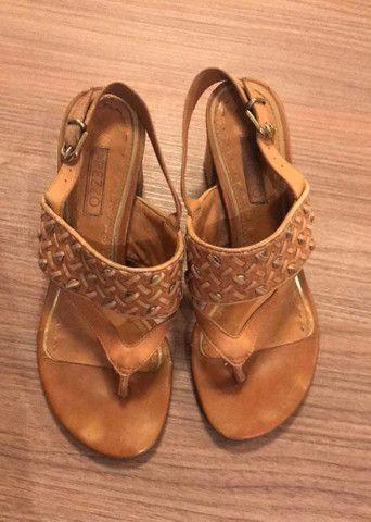 Vendo sapatos de 10,00 a 30,00 n. 34 e 35 - Foto 2