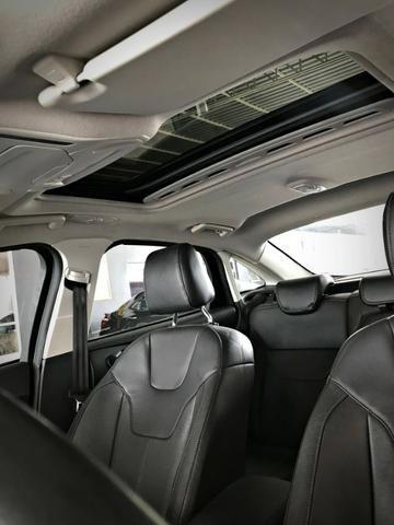 Ford Focus Titanium Fastback C/ Teto Solar 2.0. Branco 2016/2017 - Foto 14