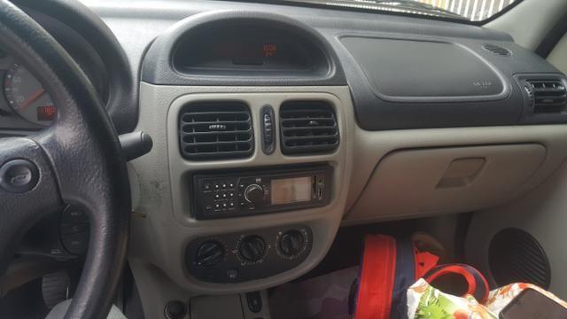 Clio Sedan 1.6 Flex 16v 2005 (Sem motor) - Foto 5