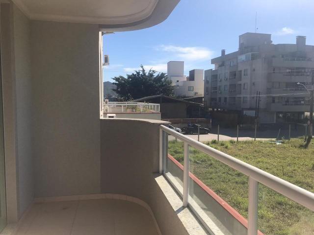 02 quartos seminovo na Praia de Bombas - Foto 4