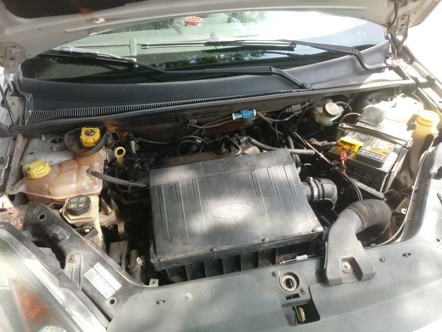 Fiesta SE sedan 1.0 prata 2013\2014